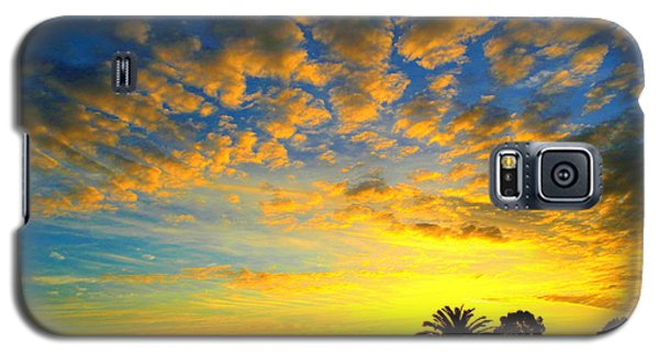 Galaxy S5 Case featuring the digital art Perfect Sunset by Mark Blauhoefer