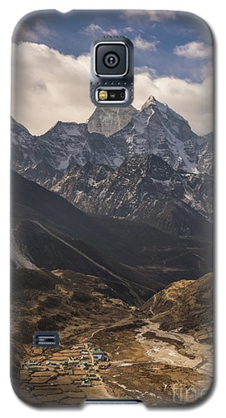 Galaxy S5 Case featuring the photograph Pheriche In The Valley by Mike Reid