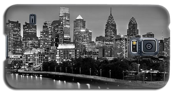 Galaxy S5 Case featuring the photograph Philadelphia Philly Skyline At Dusk From Near South Bw Black And White Panorama by Jon Holiday