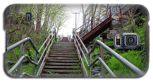 Galaxy S5 Case featuring the photograph Philadelphia - Roxborough Avenue Steps by Bill Cannon