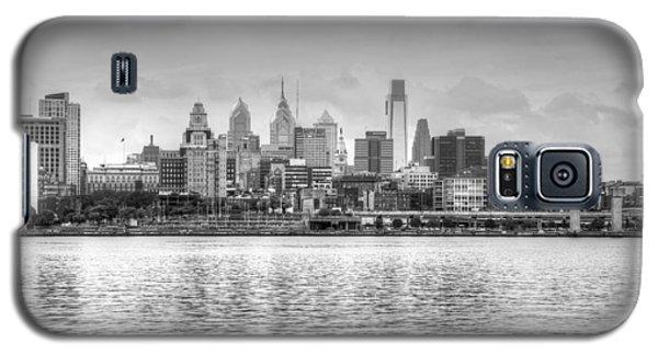 Philadelphia Skyline In Black And White Galaxy S5 Case