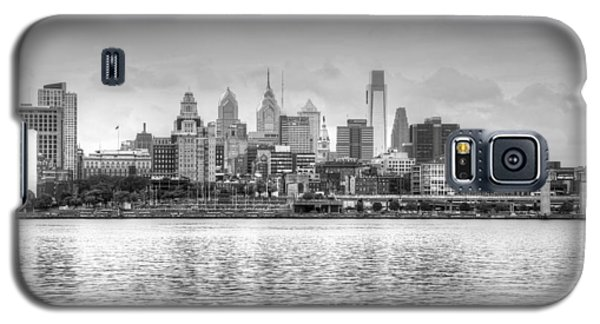 Philadelphia Skyline In Black And White Galaxy S5 Case