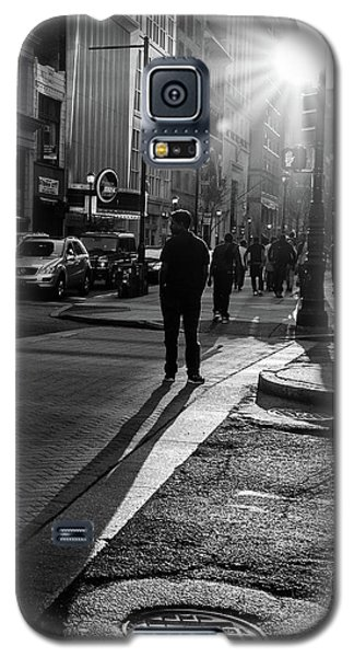 Galaxy S5 Case featuring the photograph Philadelphia Street Photography - 0943 by David Sutton