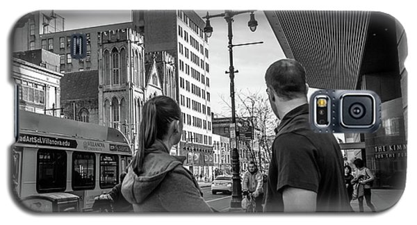 Galaxy S5 Case featuring the photograph Philadelphia Street Photography - Dsc00248 by David Sutton