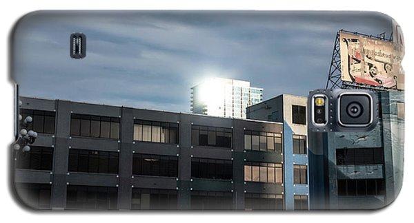 Galaxy S5 Case featuring the photograph Philadelphia Urban Landscape - 1195 by David Sutton