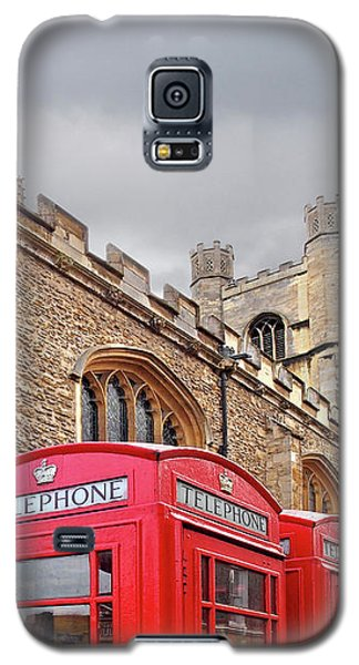 Galaxy S5 Case featuring the photograph Phone Home - Gt St Marys Church Cambridge by Gill Billington