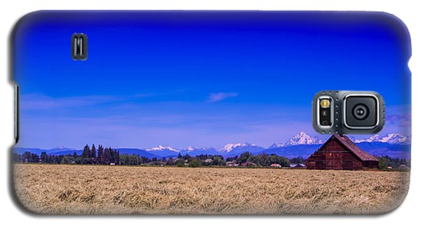 Galaxy S5 Case featuring the photograph Photography by Dale Stillman