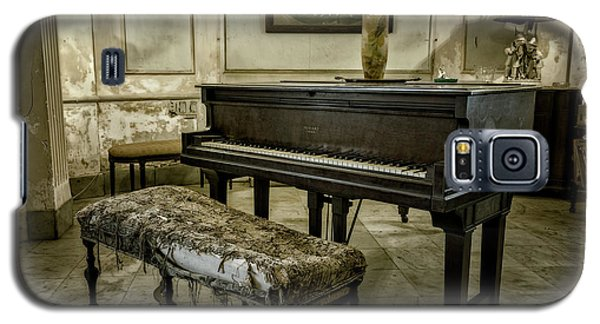Galaxy S5 Case featuring the photograph Piano At Josie's House by Joan Carroll