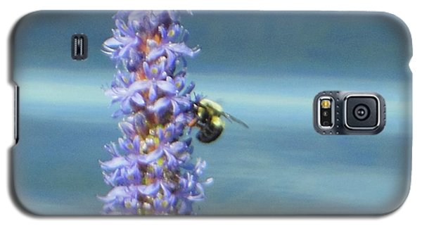 Galaxy S5 Case featuring the photograph Pickerelweed Bumble Bee by Rockin Docks Deluxephotos