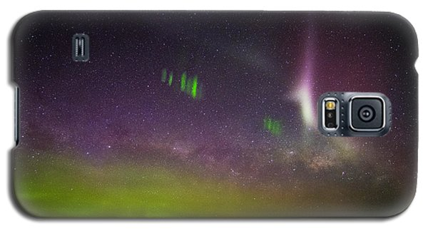 Galaxy S5 Case featuring the photograph Picket Fences And Proton Arc, Aurora Australis by Odille Esmonde-Morgan