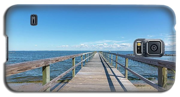 Galaxy S5 Case featuring the photograph Pier At Highland Beach by Charles Kraus