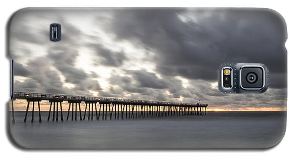 Pier In Misty Waters Galaxy S5 Case by Ed Clark