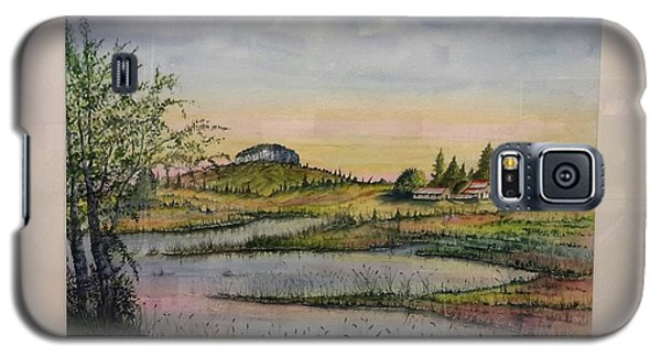 Galaxy S5 Case featuring the painting Pilot Mountain And Pond by Richard Benson