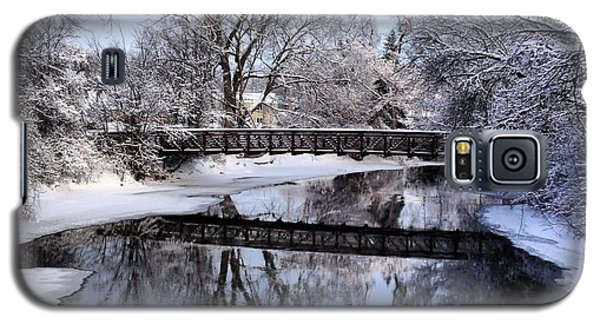 Pine River Foot Bridge From Superior In Winter Galaxy S5 Case