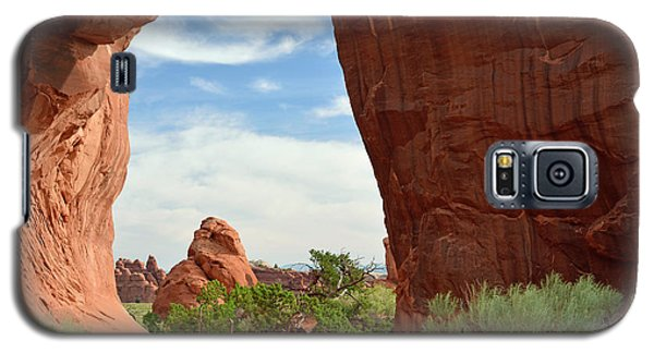 Galaxy S5 Case featuring the photograph Pine Tree Arch In Utah by Bruce Gourley