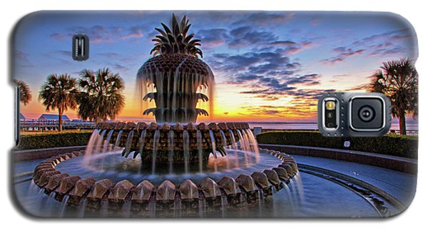 The Pineapple Fountain At Sunrise In Charleston, South Carolina, Usa Galaxy S5 Case