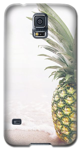 Pineapple On The Beach Galaxy S5 Case