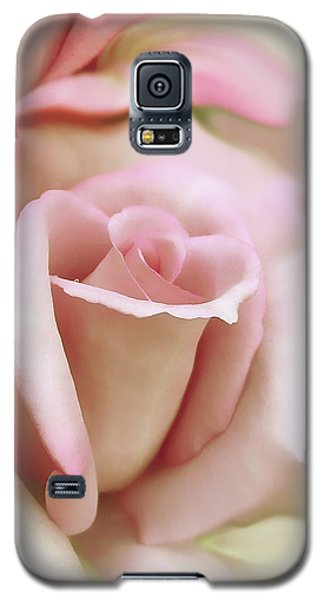 Pink And Ivory Rose Portrait Galaxy S5 Case