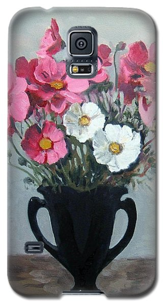 Pink And White Cosmos In Black Glass Vase Galaxy S5 Case