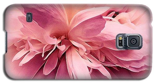 Galaxy S5 Case featuring the photograph Pink Ballet Powder Puff by Darlene Kwiatkowski