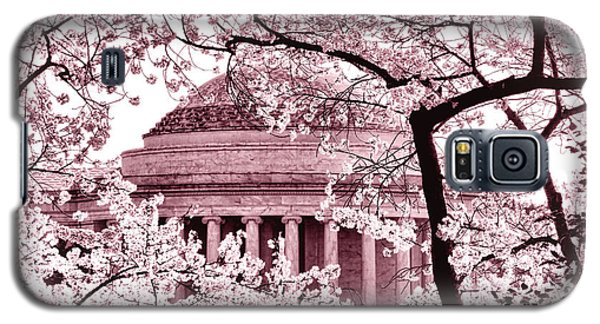 Pink Cherry Trees At The Jefferson Memorial Galaxy S5 Case by Olivier Le Queinec