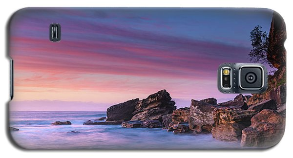 Pink Clouds And Rocky Headland Seascape Galaxy S5 Case