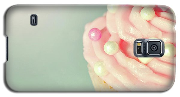 Galaxy S5 Case featuring the photograph Pink Cupcake With Lovehearts by Lyn Randle