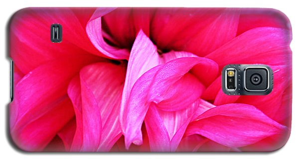 Galaxy S5 Case featuring the photograph Pink Dahlia by Kristin Elmquist