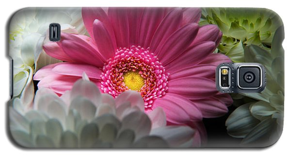 Pink Daisy Surrounded By White Dahlias Galaxy S5 Case