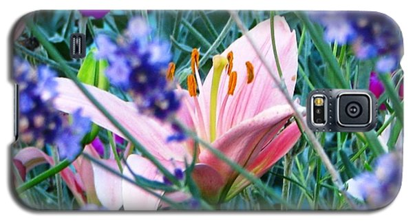 Pink Lily In The Lavender Galaxy S5 Case