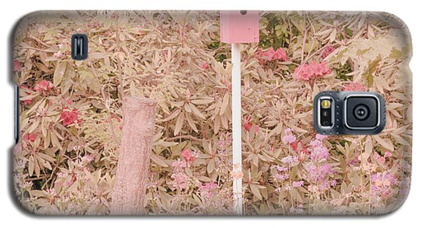 Galaxy S5 Case featuring the photograph Pink Nesting Box by Bonnie Bruno