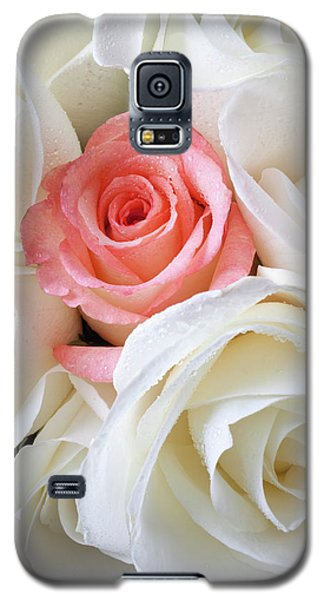 Pink Rose Among White Roses Galaxy S5 Case