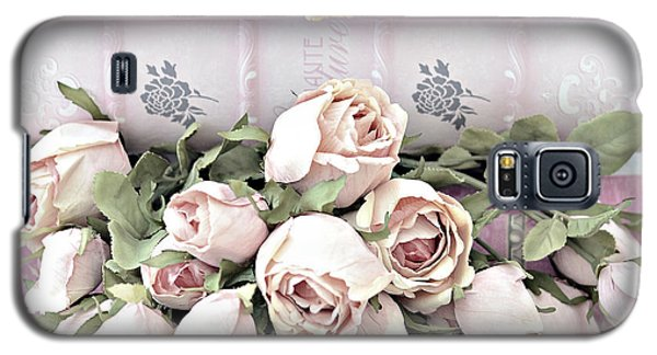 Galaxy S5 Case featuring the photograph Pink Shabby Chic Roses On Pink Cottage Books - Shabby Cottage Pink Roses Home Decor by Kathy Fornal