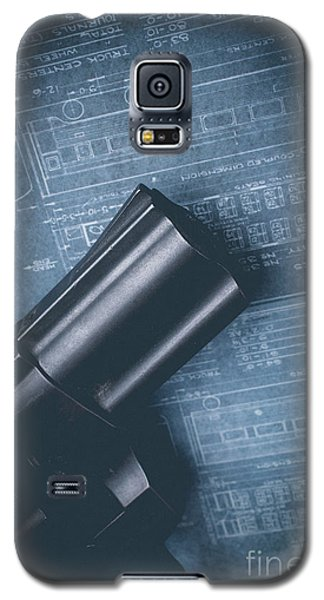 Galaxy S5 Case featuring the photograph Planning The Heist by Edward Fielding