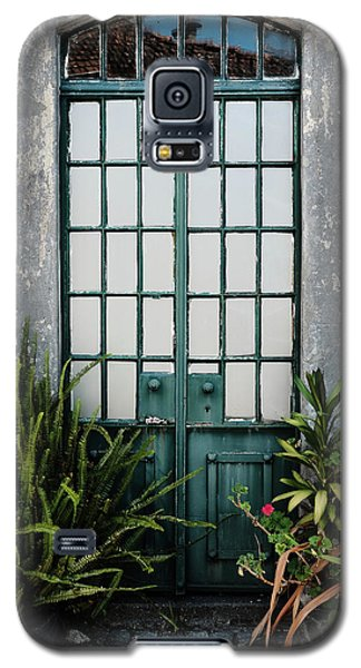 Galaxy S5 Case featuring the photograph Plants In The Doorway by Marco Oliveira