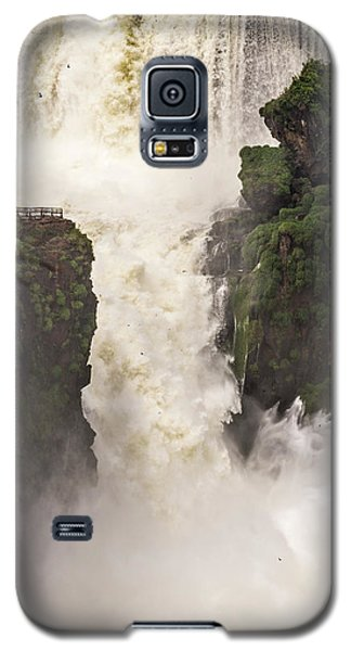 Galaxy S5 Case featuring the photograph Plunge by Alex Lapidus