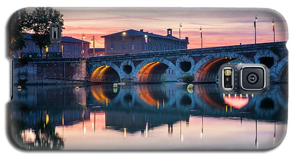 Galaxy S5 Case featuring the photograph Pont Neuf In Toulouse At Sunset by Elena Elisseeva