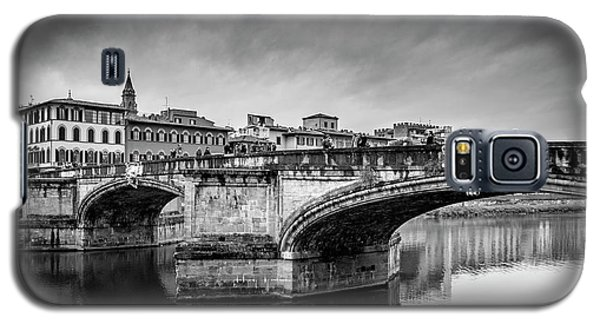 Galaxy S5 Case featuring the photograph Ponte Santa Trinita by Sonny Marcyan