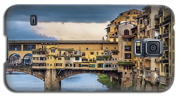 Galaxy S5 Case featuring the photograph Ponte Vecchio E Gabbiani by Sonny Marcyan
