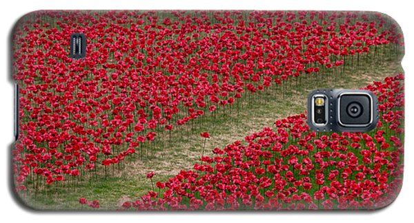 Poppies Of Remembrance Galaxy S5 Case by Martin Newman