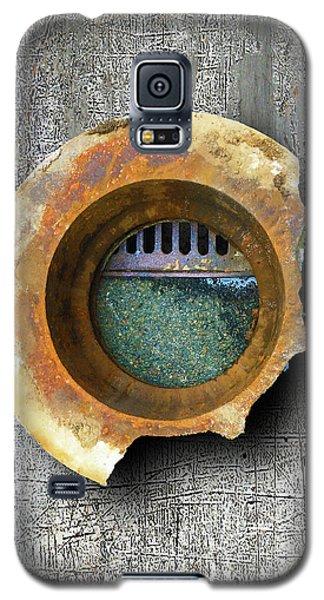 Galaxy S5 Case featuring the mixed media Portal by Tony Rubino