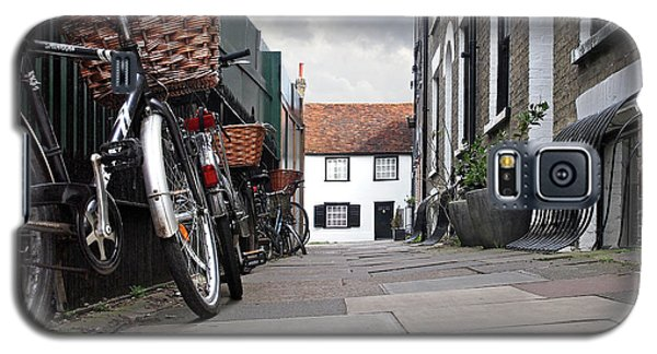 Galaxy S5 Case featuring the photograph Portugal Place Cambridge by Gill Billington