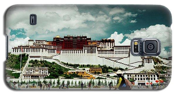 Galaxy S5 Case featuring the photograph Potala Palace. Lhasa, Tibet. Yantra.lv by Raimond Klavins