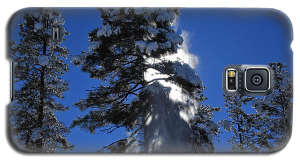 Galaxy S5 Case featuring the photograph Powderfall by Gary Kaylor