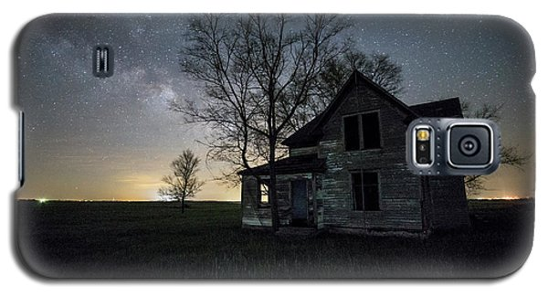 Galaxy S5 Case featuring the photograph Prairie Gold And Milky Way by Aaron J Groen
