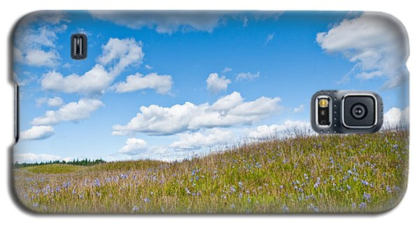 Galaxy S5 Case featuring the photograph Prairie In Bloom Under Blue Sky by Jeff Goulden