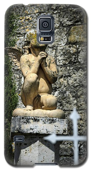 Praying Angel In Auvillar Cemetery Galaxy S5 Case by RicardMN Photography