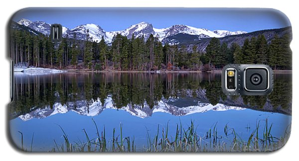 Pre Dawn Image Of The Continental Divide And A Sprague Lake Refl Galaxy S5 Case by Ronda Kimbrow
