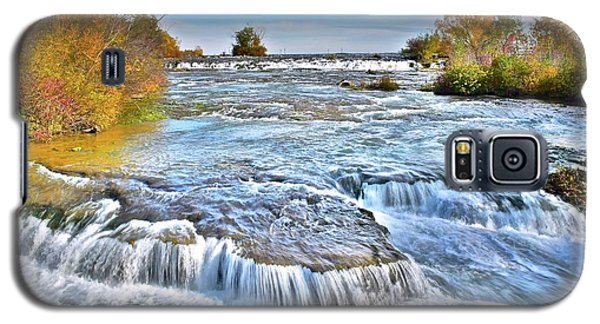 Galaxy S5 Case featuring the photograph Preparing For The Big Fall by Frozen in Time Fine Art Photography