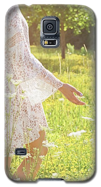 Present Moment.. Galaxy S5 Case by Nina Stavlund